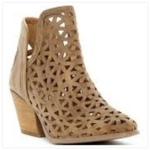 Musse & Cloud Athena Laser Cut Leather Boot